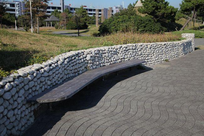 028_bench