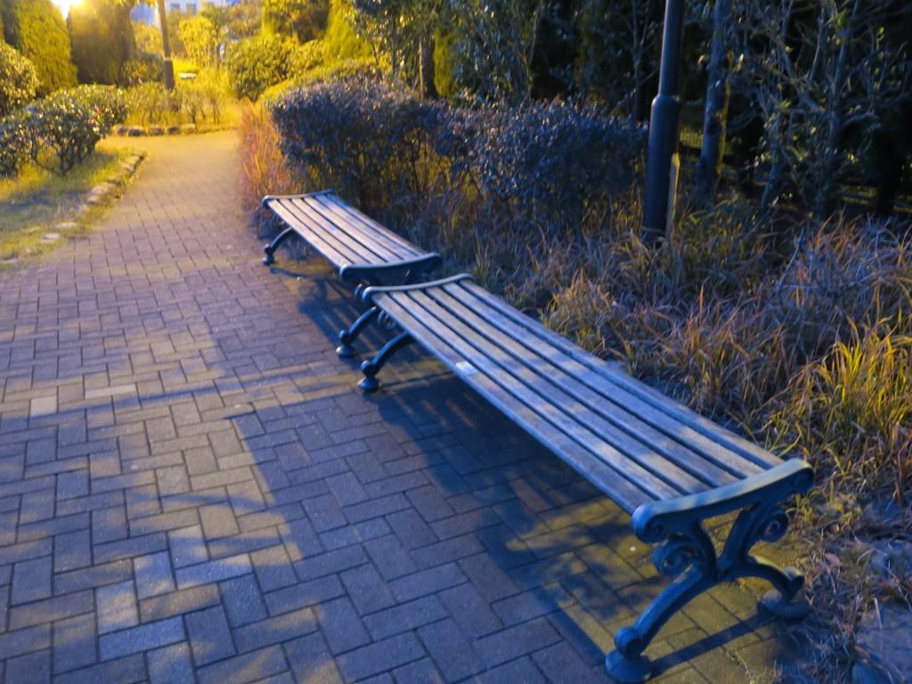 011_benchs