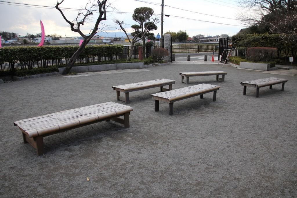 018_bench