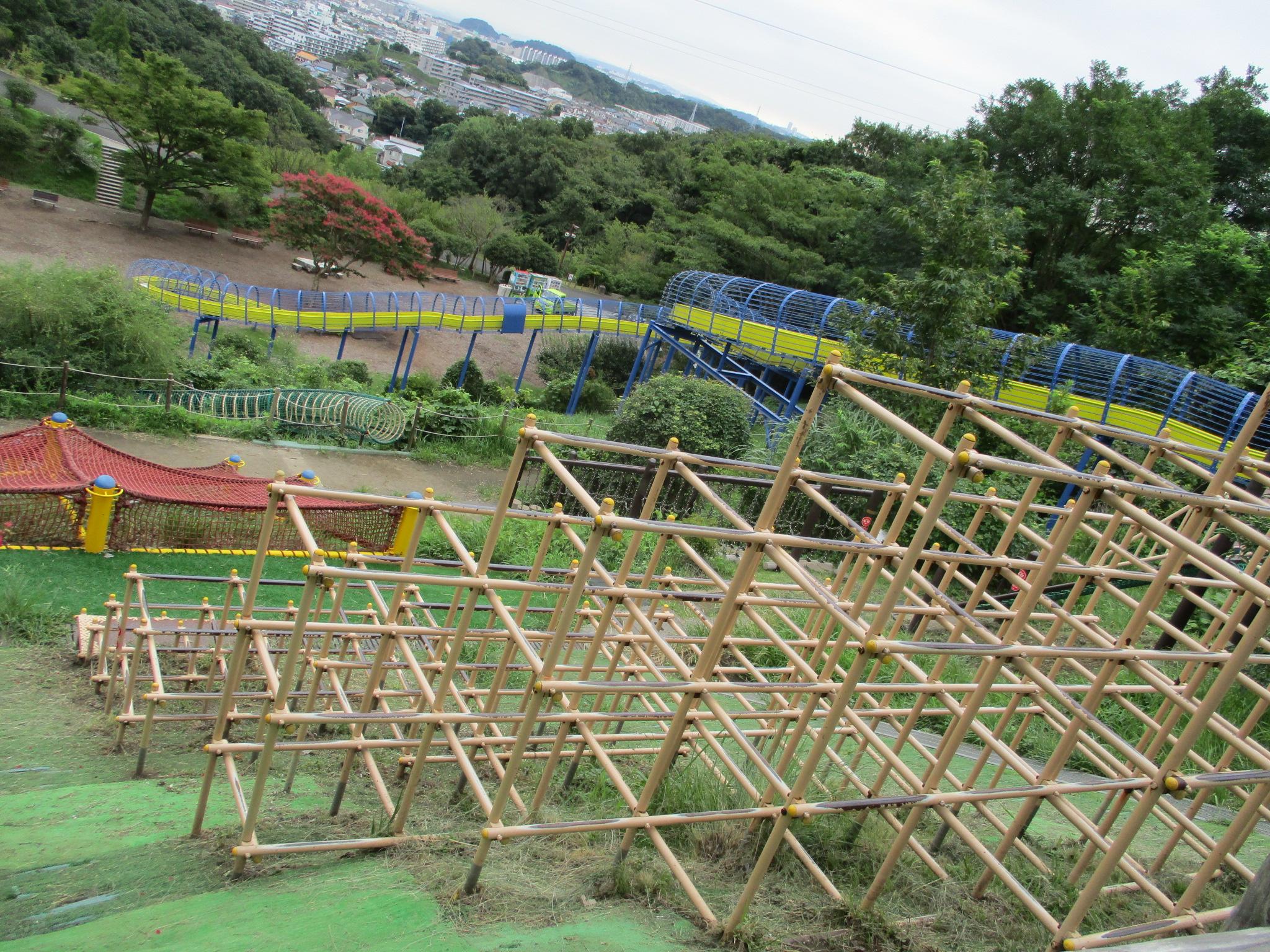 巨大遊具、大型遊具のある公園。子供と行く横浜ベスト5 | 横浜 ...