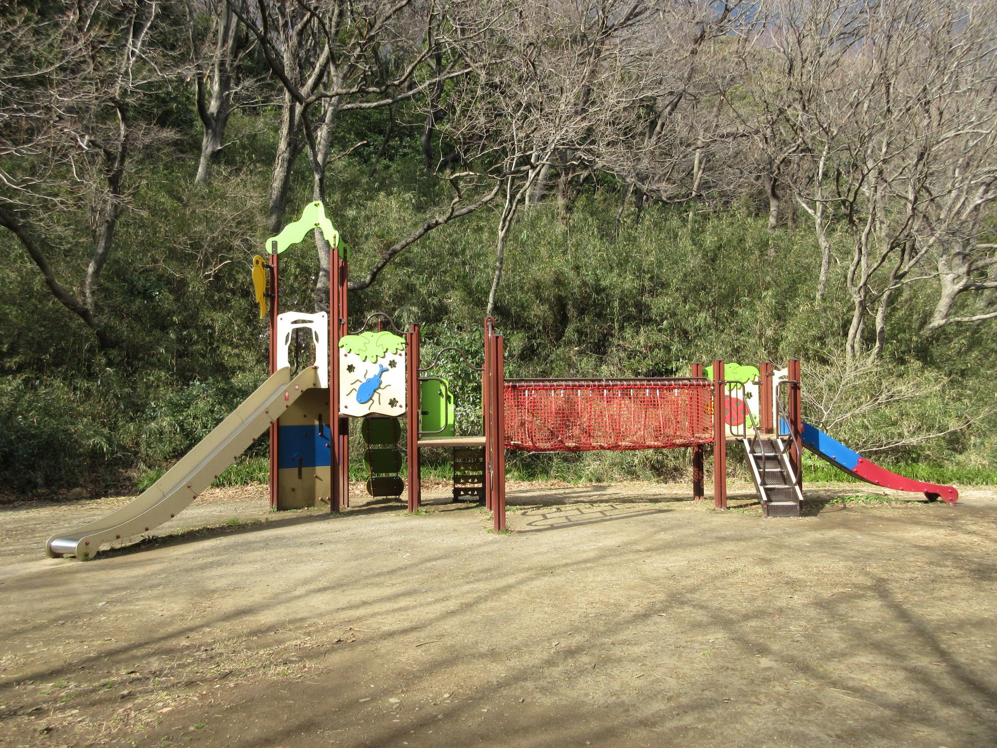 久良岐公園:自転車練習に最適。遊具、スポーツ、梅、桜 ...