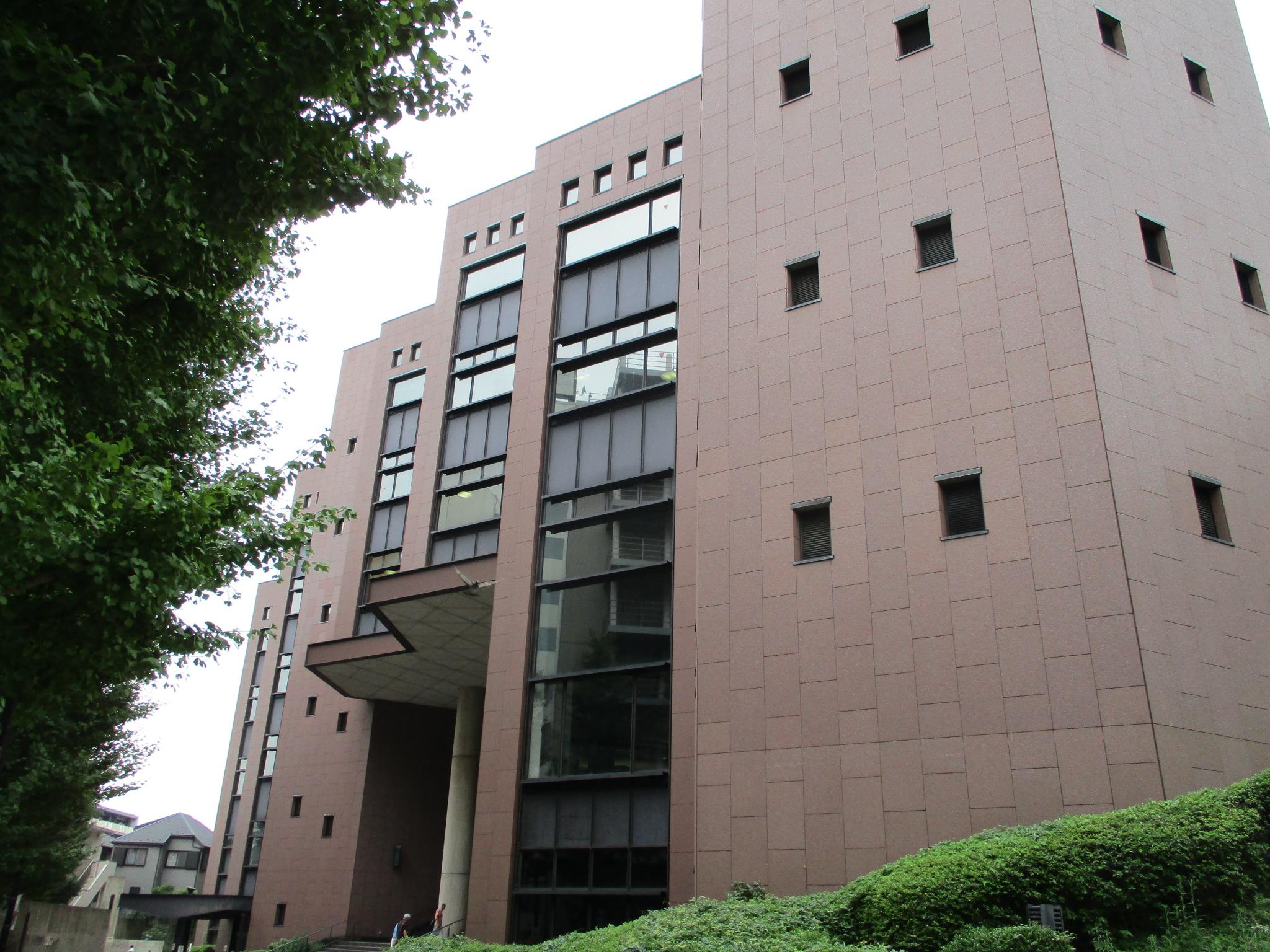 横浜市の図書館、18区全部集めました。一緒に遊べる公園など、近くの ...