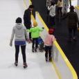 初心者でも楽しめるスケートリンク横浜市内4選。子供と初めてのスケートにもぴったり。