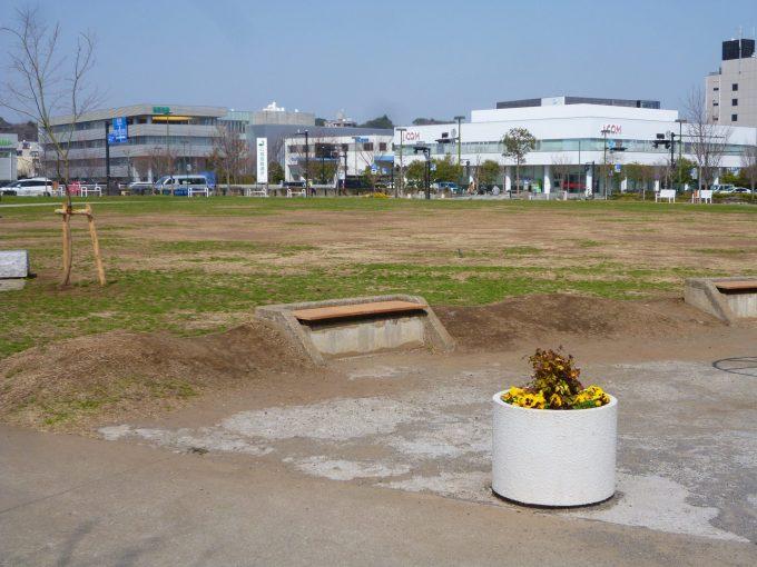 神台公園:テラスモール湘南のすぐ隣にあるとてもキレイな ...