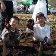 秋の農業体験、募集はじまりました!さつまいも・里芋を親子で収穫しよう!ステージショーもあって1日楽しめます【募集中 11月4日(日)@神奈川県大井町】