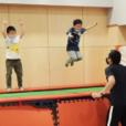 「トランポリン」初めて体験!経験者クラスも新設【年中さん~4年生】人気の先生と一緒に跳んではねて、体幹トレーニングにも。駅から3分、ブルーライン仲町台にて。先着受付中 [21年10月24日(日)、11月28日(日):横浜市都筑区]